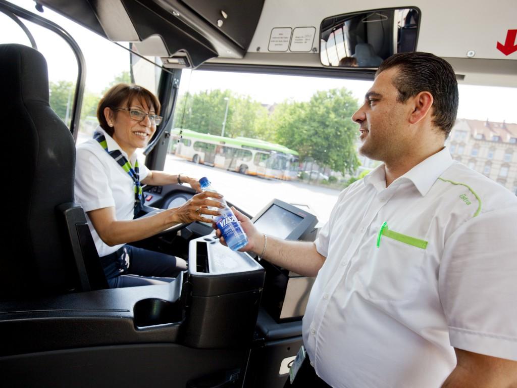 Üstra stellt Busfahrern Wasser zur verfügung