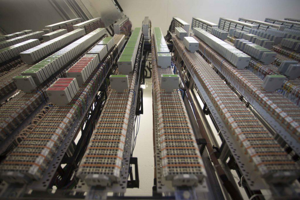 """Der Stellwerksrechner ist das """"Gehirn"""" der Zugsicherung und mehrfach abgesichert."""