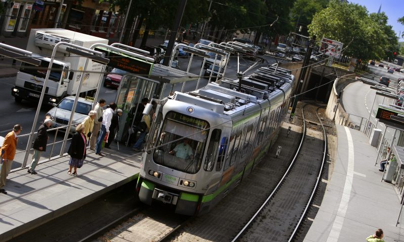 Straßenbahn? U-Bahn? Stadtbahn!