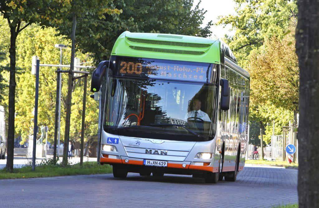 MAN Hybridbus auf der Linie 200