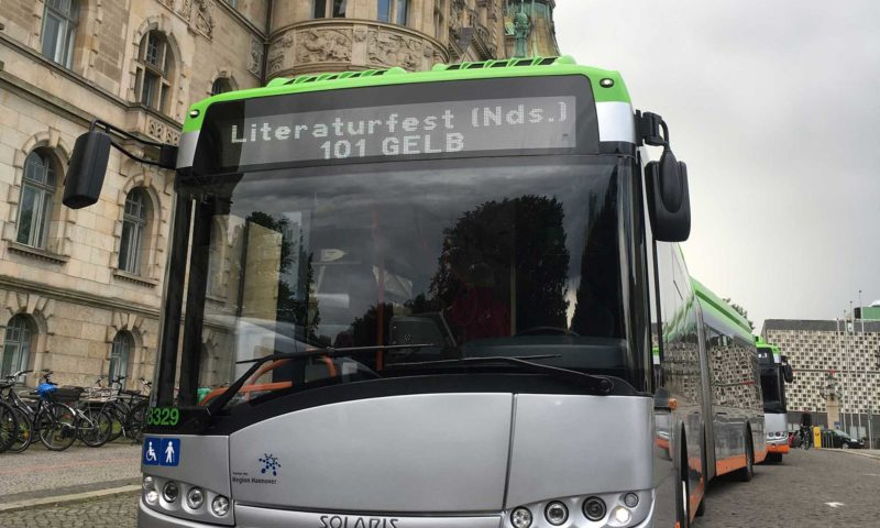 Bus-Kultur: Literatur im ÜSTRA Hybrid