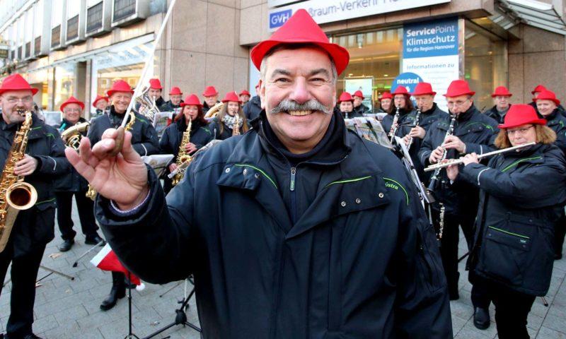 Mit Pauke und Trompeten - das ÜSTRA Blasorchester