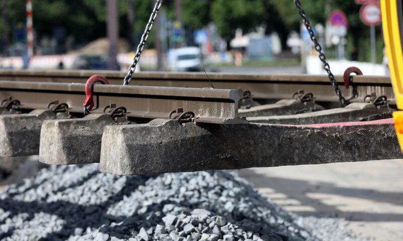 Baumaßnahmen 2021: Frische Gleise und neue Hochbahnsteige für das Stadtbahnnetz